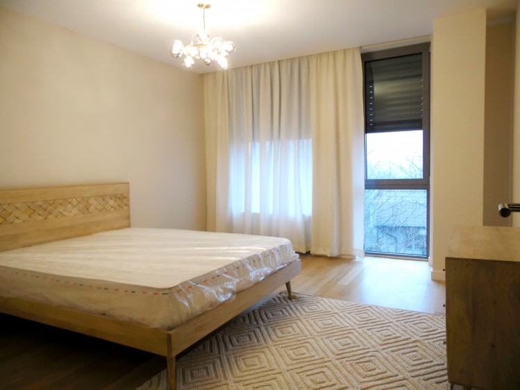 Apartament de inchiriat 4 camere zona Baneasa, Bucuresti 183 mp