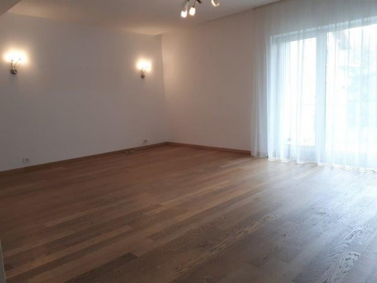 Apartament de inchiriat 4 camere zona Herastrau - Piata Charles de Gaulle, Bucuresti