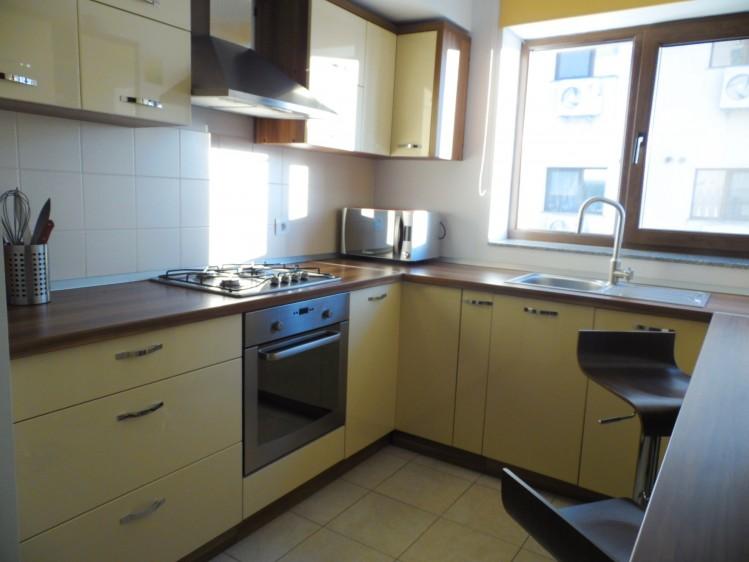 Apartament de inchiriat 4 camere zona Iancu Nicolae 140 mp