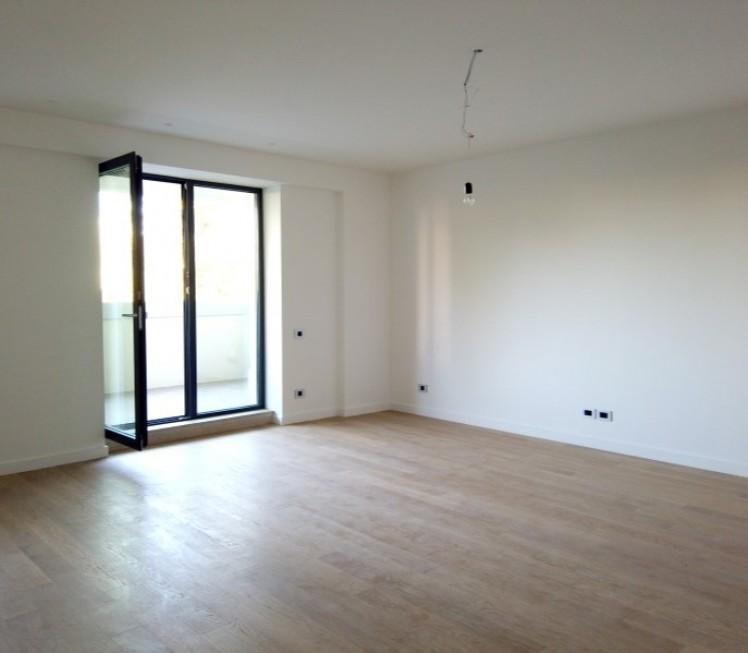 Apartament de vanzare 2 camere zona Aviatiei 79 mp