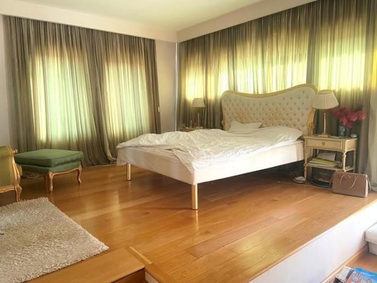 Apartament de vanzare 3 camere zona Domenii - 1 Mai, Bucuresti 320 mp