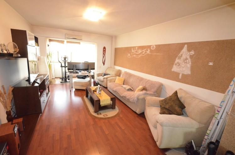 Apartament de vanzare 3 camere zona Unirii, Bucuresti 110 mp