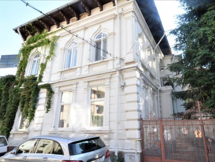 Apartament de vanzare 4 camere zona Armeneasca/ Maria Rosetti 180 mp
