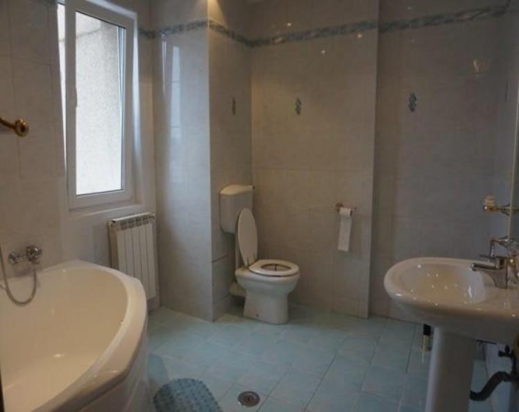 Apartament de vanzare 4 camere zona Dorobanti,Bucuresti 145 mp