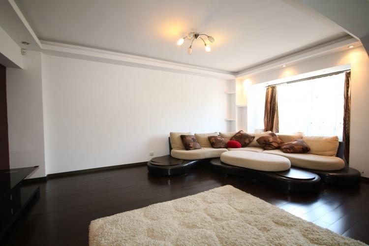 Apartament de vanzare 4 camere zona Palatul Parlamentului, Bucuresti 120 mp
