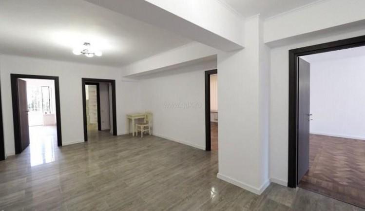 Apartament de inchiriat 4 camere zona Primaverii, Bucuresti 203 mp