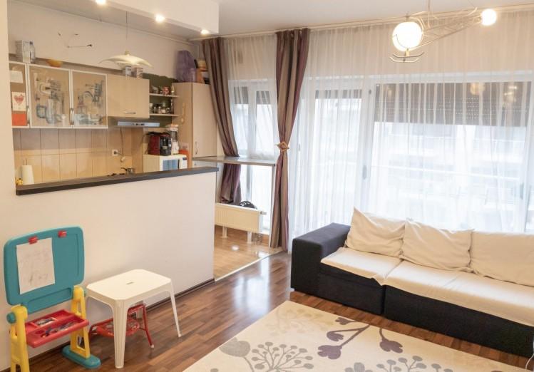 Apartament de vanzare 4 camere zona Titan, Bucuresti 112 mp