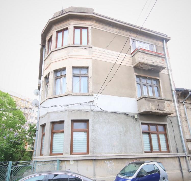 Apartament de vanzare  5 camere zona Bulevardul Unirii – Tribunalul Bucuresti , Bucuresti 180 mp