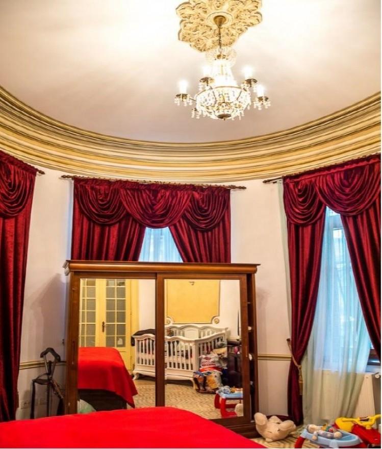 Apartament de vanzare in vila 6 camere Hala Traian - Unirii, Bucuresti 266.24 mp