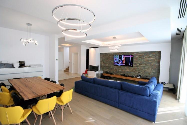 Casa de vanzare 5 camere zona Otopeni-Odai 280 mp