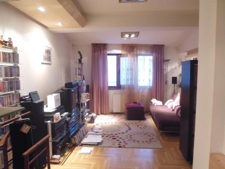 Casa de vanzare 6 camere zona Vatra Luminoasa, Bucuresti 211 mp