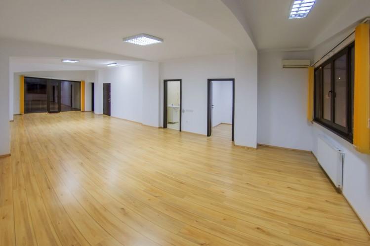 Imobil birouri de inchiriat zona Piata Victoriei, Bucuresti 450 mp
