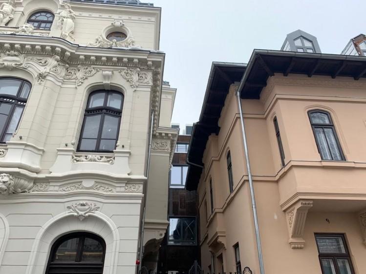 Palat de vanzare zona Piata Romana, Bucuresti 1930 mp