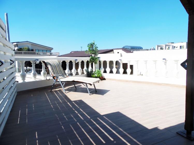 Penthouse de inchiriat 4 camere zona Herastrau, Bucuresti 200 mp