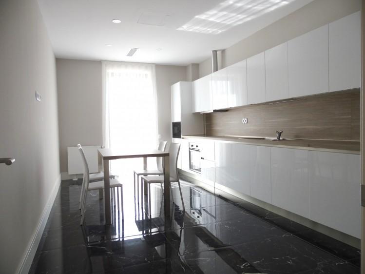 Penthouse de inchiriat 4 camere zona Iancu Nicolae, Bucuresti 175 mp