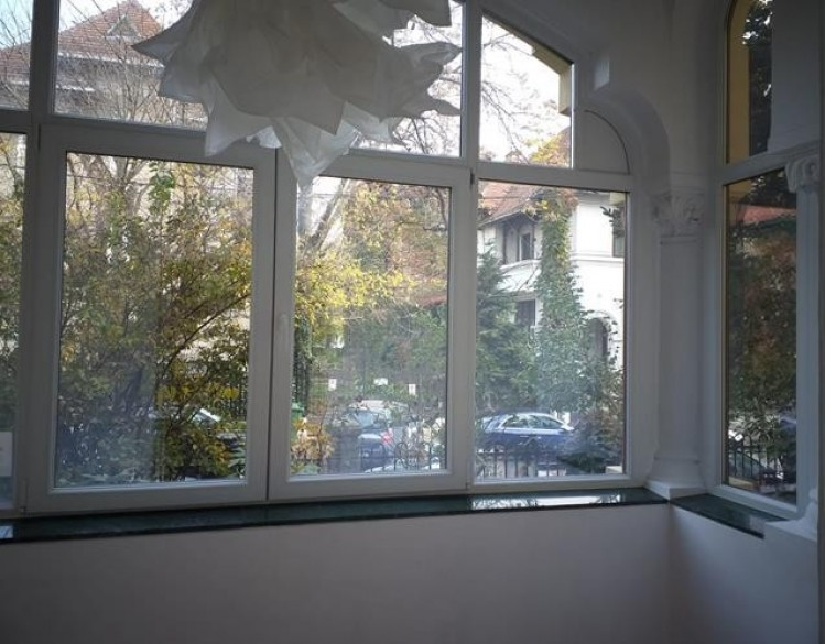 Commercial spaces for rent in villa Aviatorilor area, Bucharest 93.84 sqm