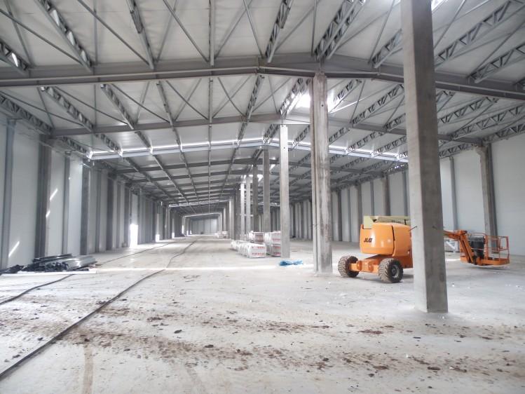 Spatii industriale de inchiriat zona Afumati - soseaua Bucuresti-Urziceni, 8.800 mp