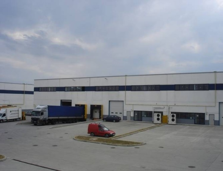 Industrial space for rent located in West area of Bucharest 1.500 - 2.000 sqm