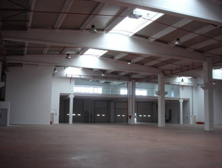 Spatiu industrial de inchiriat zona de Vest, Bucuresti 1.500 - 2.000 mp