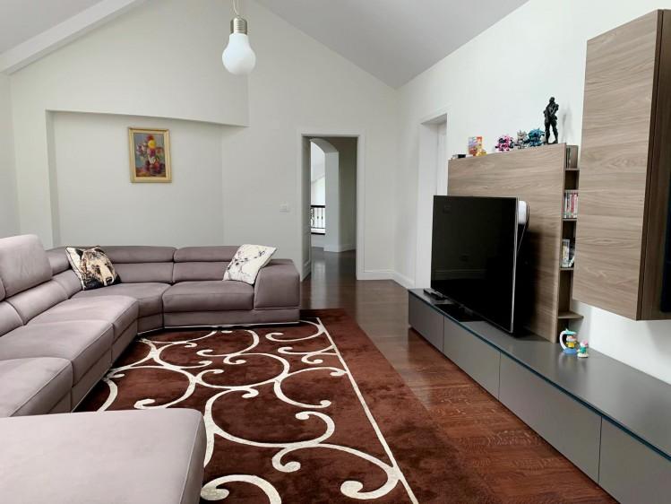 Vila de inchiriat 11 camere zona Pipera - Iancu Nicolae, Bucuresti 800 mp