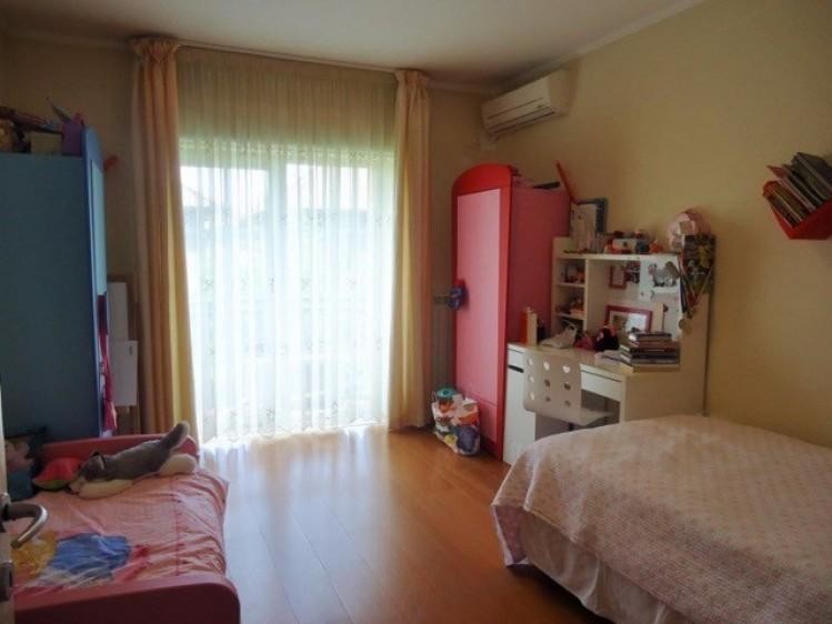Vila de inchiriat 6 camere zona Iancu Nicolae - Jolie Ville, Bucuresti 210 mp