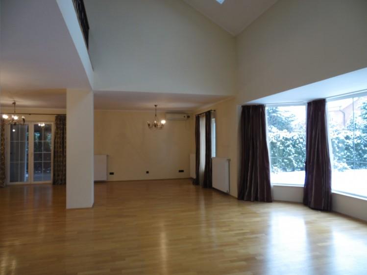 Vila de inchiriat 7 camere zona Baneasa, Bucuresti 400 mp