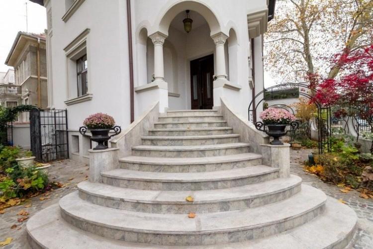 Vila de vanzare 12 camere zona Cotroceni, Bucuresti 725 mp