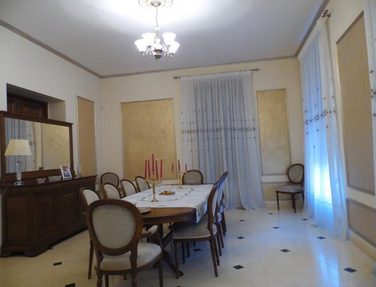 Vila de vanzare 12 camere zona Dacia - Mosilor, Bucuresti 1.100 mp