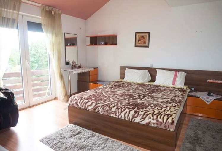 Vila de vanzare 4 camere zona Baneasa, Bucuresti 150 mp