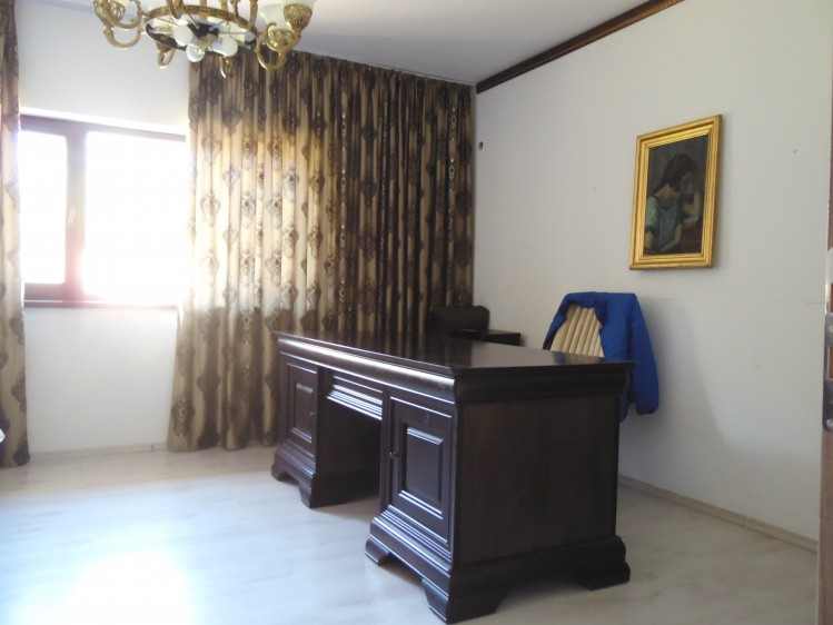 Vila de vanzare 4 camere zona Ferme - Otopeni, Bucuresti 400 mp