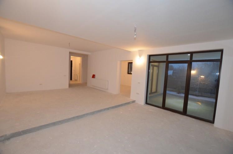 Vila de vanzare 5 camere zona Iancu Nicolae, Bucuresti 370 mp