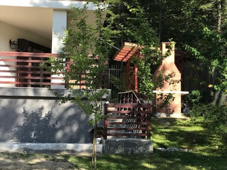 Vila de vanzare 5 camere zona Malul Ursului, Predeal 180 mp