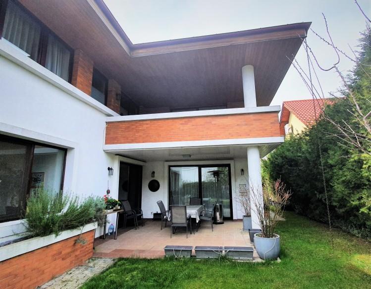 Vila de vanzare 6 camere zona Iancu Nicolae, Bucuresti 380 mp