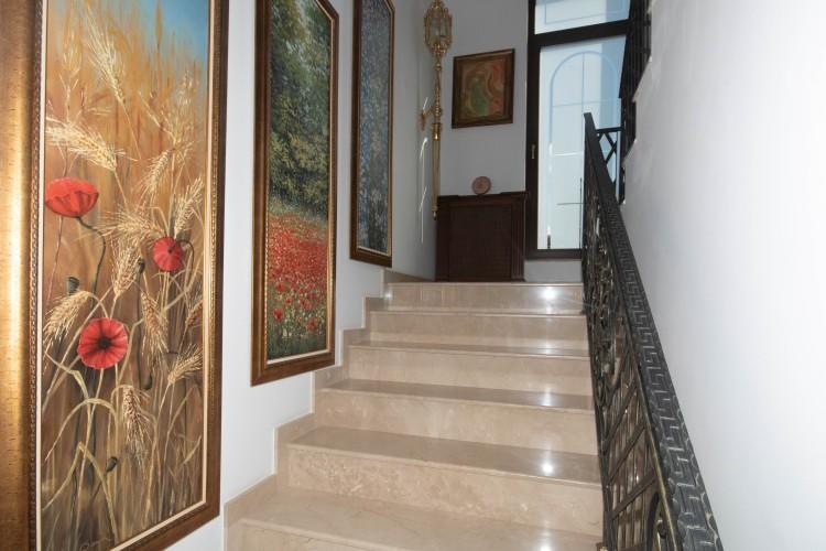 Villa for sale 6 rooms Iancu Nicolae area, Bucharest