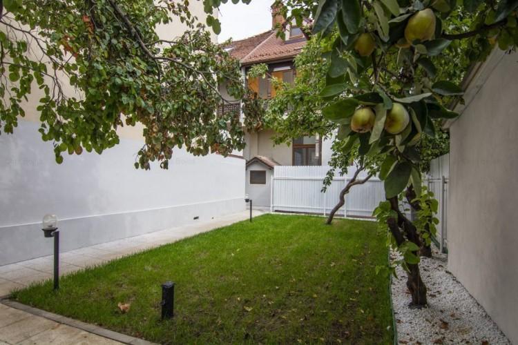Vila de vanzare 6 camere zone Dorobanti-Aviatorilor 313 mp