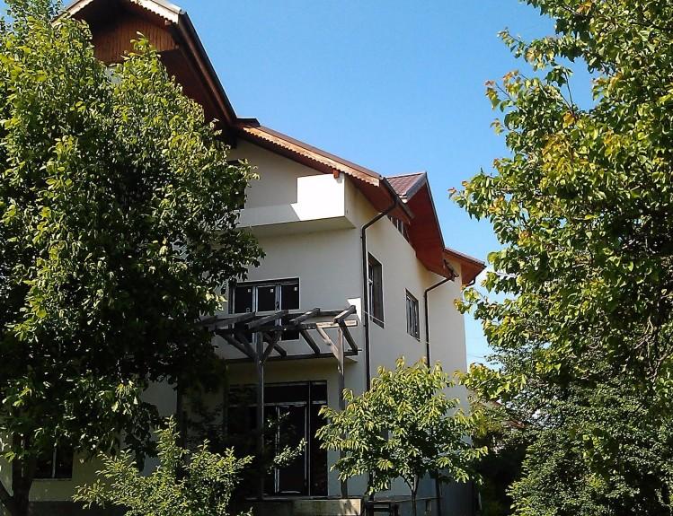 Vila de vanzare 8 camere zona Pipera, Bucuresti 684 mp