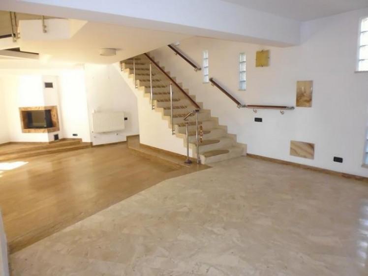 Vila de vanzare 9 camere zona Baneasa– Antena 1, Bucuresti 505 mp